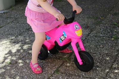 porteur pour enfant en forme de moto