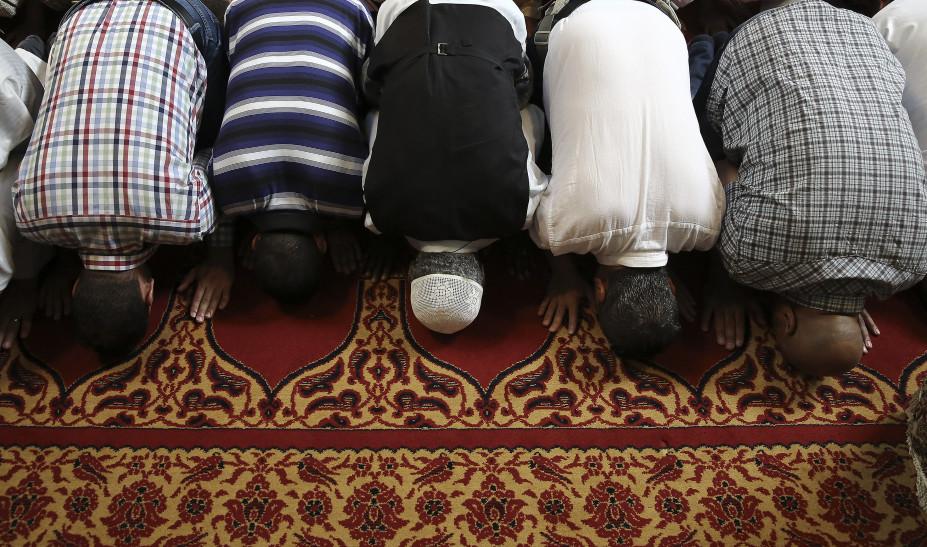 Ραμαζάνι: Τι ορίζει η απόφαση της κυβέρνησης λόγω κορωνοϊού