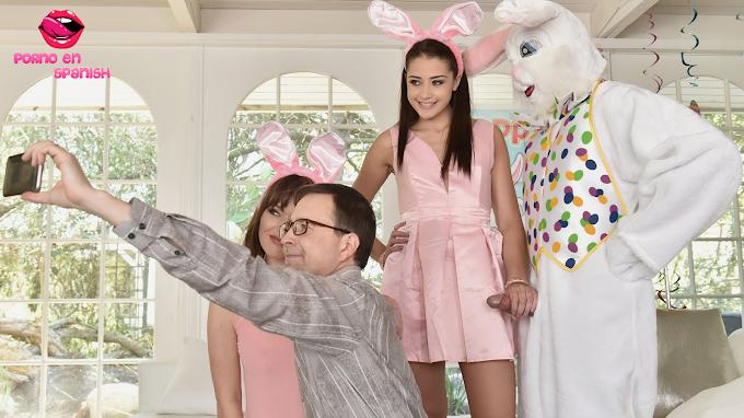 El conejo de pascua se folla a rica chica ( Subtitulado )