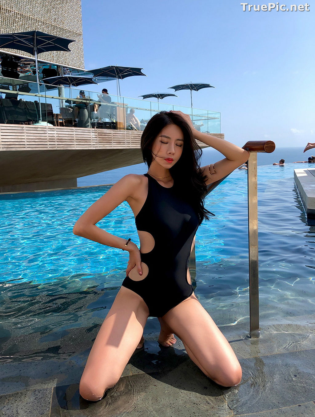 Image Kwon Byul - Korean Fashion Model - Black Monokini - TruePic.net - Picture-9