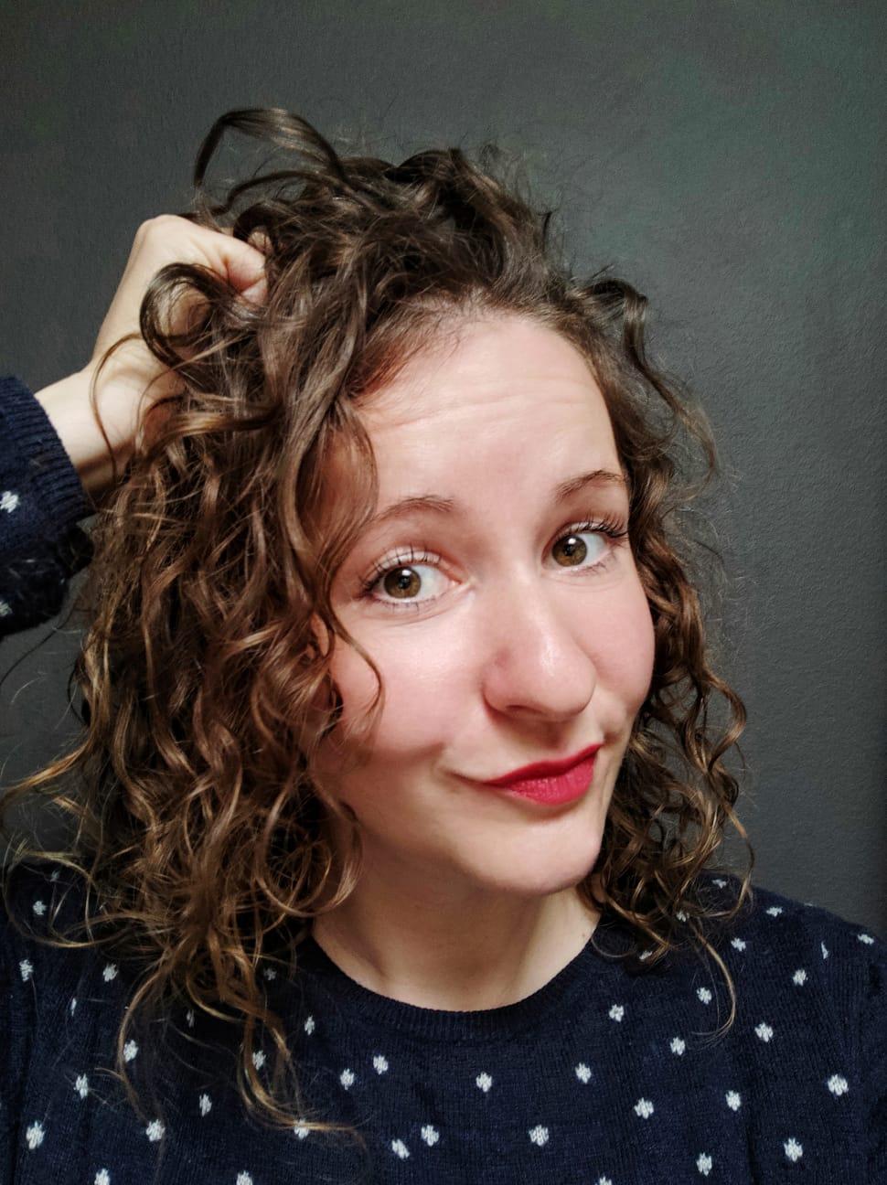 Schöne Locken und Wellen mit der Curly Girl Methode