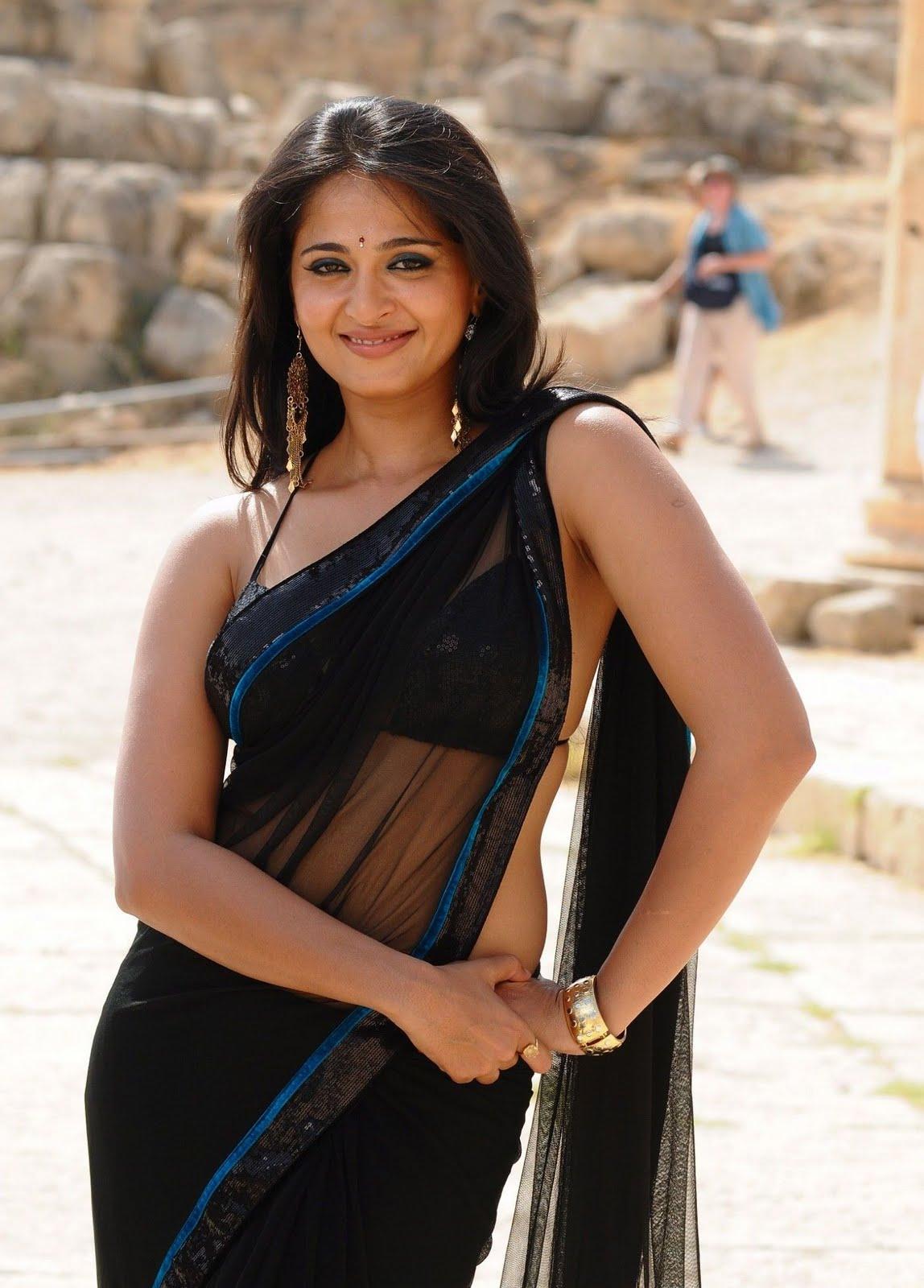 Actress Stills: Anushka hot block Saree Stills