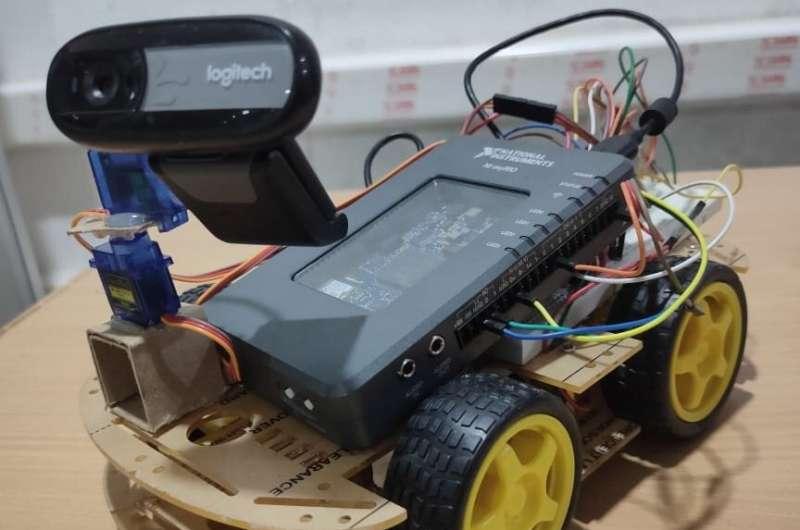 Robot yang memungkinkan pengguna untuk menavigasi lingkungan jarak jauh secara virtual