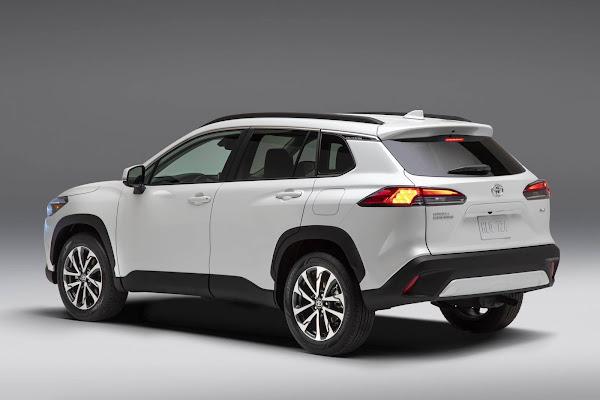 Toyota Corolla Cross 2022 chega aos EUA com opção de tração 4x4