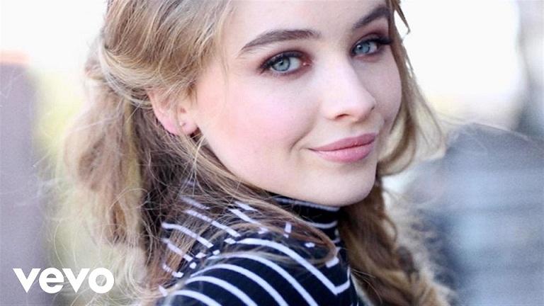 Terjemahan Lirik Lagu Can't Blame A Girl For Trying ~ Sabrina Carpenter
