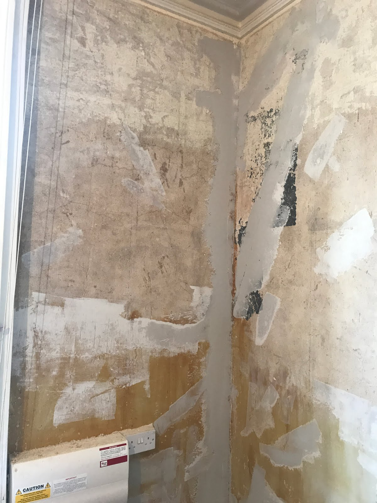 repairing cracks in plaster