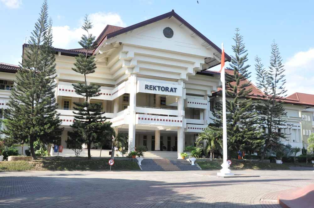 4. UNY ( Universitas Negeri Yogyakarta )