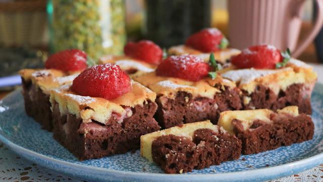 kolač-sa-jagodama