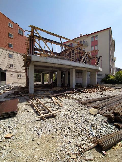 kalıpların çakılması ve 1. kat betonunun hazırlanması