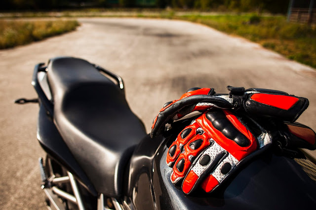 2021 Trends Of Motorcycle Gloves: What Should You Choose?