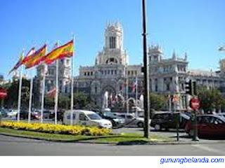 Apakah Negara Spanyol Terletak di Benua Asia