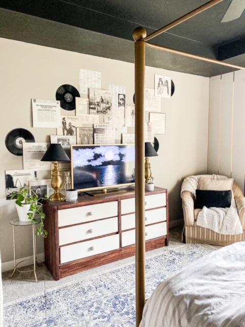 Gold black and white bedroom decor