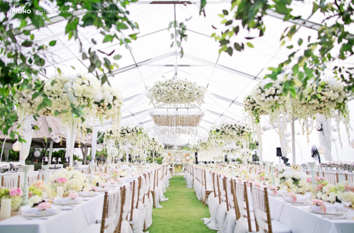 50 dekorasi pernikahan outdoor minimalis simpel dan for Bali wedding decoration ideas