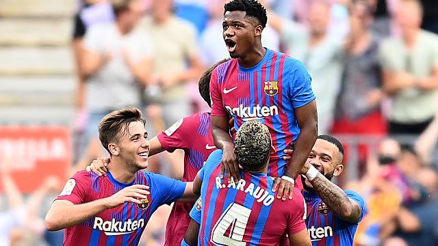 موعد مباراة برشلونة وبنفيكا في دوري أبطال أوروبا 2021-22 والقنوات الناقلة