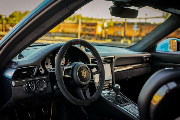 Porsche 911 GT3 'siêu lướt' chạy 2 năm có gì để...rẻ?