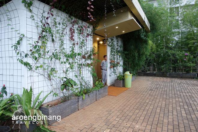 toilet scientia square park tangerang