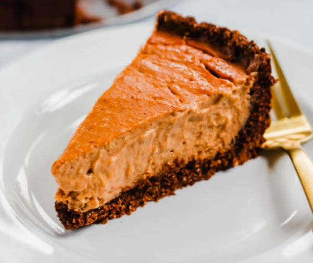 Vegan Pumpkin Cheesecake With Chocolate Crust