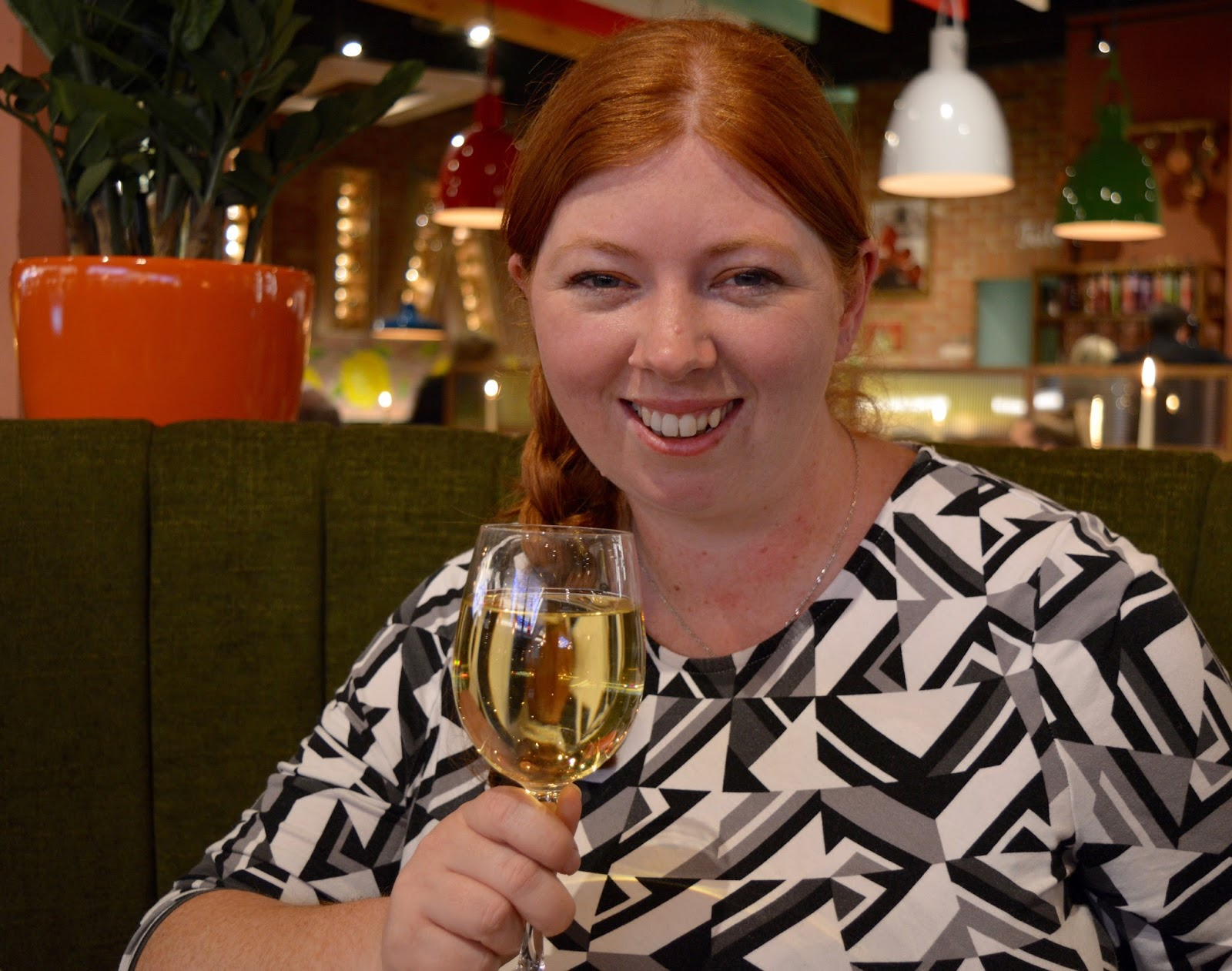 Bella Italia at intu Eldon Square Newcastle | Children's Menu Review - white wine in booth