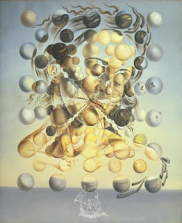 Imagen de mujer de lado formada por numerosas bolas con distintos colores.