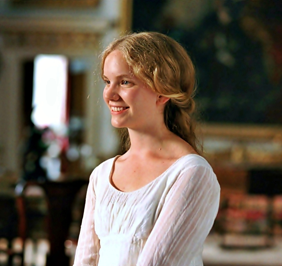the evolution of the relationship of the characters of elizabeth and darcy in pride and prejudice by Darcy's letter to elizabeth notice the evolution of darcy's feelings during the composition of the elizabeth bennet or darcy a review of pride and prejudice.