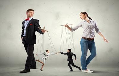 Πώς να αναγνωρίσετε έναν χειριστικό άνθρωπο και πως να αντιμετωπίσετε την χειραγώγηση