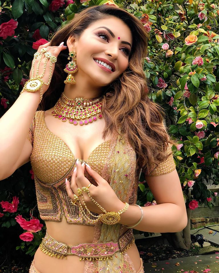 Which Bollywood actress also spreads Hollywood actresses in bikini? Urvashi Rautela