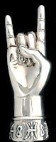 gest facut cu mana impotriva deochiului