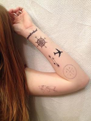 Tatuajes lindos de brújulas femeninos