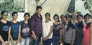 Mahesh Babu With Fans At Brahmotsavam Sets Photos
