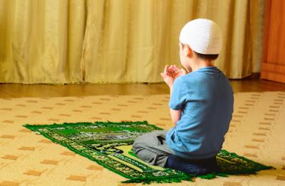 Tips Ajarkan Sholat Pada Anak Sejak Kecil