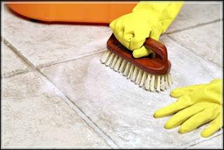 gambar cara membersihkan kamar mandi 2