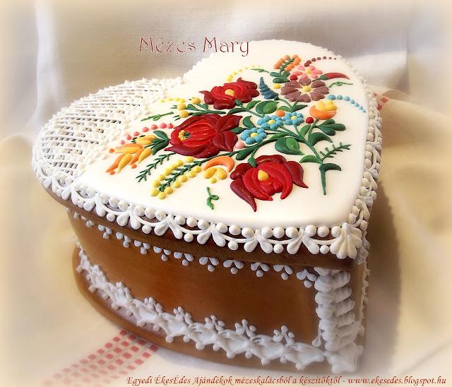 mézeskalács doboz