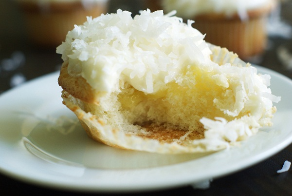 key lime-filled coconut cupcakes :: the BEST cupcakes maybe ever!