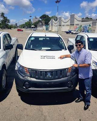 Prefeito Zé da Emater entrega mais um  automóvel zero KM para a Secretária Municipal de Saúde