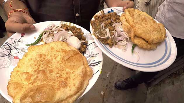 best-food-places-to-eat-in-delhi-for-foodies