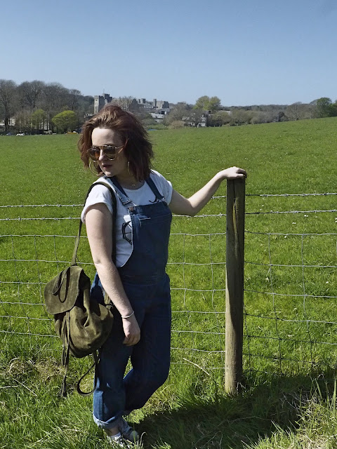 how to wear denim dungarees spring fashion