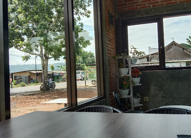 line coffee shop