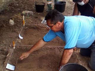 Arqueólogos escavam cemitério indígena em Pocinhos, na Paraíba