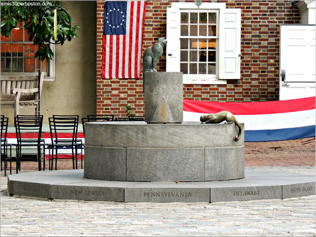 Fuente en la Casa Museo de Betsy Ross en Filadelfia