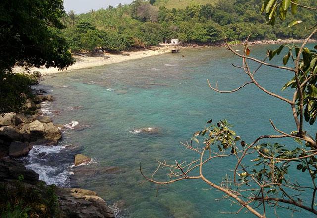 keindahan pantai tanjung tua