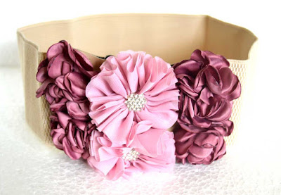 https://www.decenarioscool.com/products/rose-tone-flower-belt