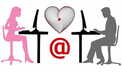 """In der Neuzeit verbringt die jüngere Hälfte der Bevölkerung einen Großteil ihrer Arbeitszeit und Freizeit damit, isoliert auf einen elektronischen Bildschirm zu blicken, und dennoch toben Hormone in den Lenden, und Libidos scheinen höher als je zuvor. Online-Pornografie liefert Visionen einer sexuellen Welt von großer Vielfalt und Faszination, die Lust macht, sich an der Handlung zu beteiligen. Es ist daher nicht verwunderlich, dass Online-Dating-Seiten in Hülle und Fülle aufgetaucht sind. In einer Studie mit mehr als 1500 eingehenden Nachrichten von selbst beschriebenen """"geilen"""" Frauen wurde festgestellt, dass in den allermeisten Fällen das, was online beginnt, online endet.    In der typischen Online-Dating-Seite veröffentlicht jedes Mitglied ein Profil mit einem Foto und einer kurzen Erklärung der Interessen oder Anforderungen. Mitglieder senden Nachrichten an andere Mitglieder, die sie mögen, und schlagen die intimsten und aufwändigsten sexuellen Begegnungen vor. Vorgeschlagene Mitglieder werden gebeten, zu antworten. Für jede Nachricht fallen jedoch Kosten an, die von der Website erhoben werden, ein Prepaid-Guthaben und unattraktive Angebote bleiben häufig unbeantwortet. Dies kann daran liegen, dass der Initiator seinen Standort nicht angibt und der Empfänger keine Gutschrift für einen Gesprächspartner riskieren möchte, der für ein praktisches Meeting möglicherweise zu weit entfernt ist.    Tatsächliche Treffen gibt es jedoch nur sehr wenige. Der erste """"heiße"""" Vorschlag, der beantwortet wird, geht bald in einem endlosen Online-Chat verloren, in dem unzählige Nachrichten ausgetauscht werden. Die Botschaften gehen auf die sexuellen Freuden ein, die in der ultimativen Begegnung zu erwarten sind, mit dem Austausch von Nacktbildern und dem Hinweis auf die mit Hilfe von Sexspielzeugen ausgelöste Masturbation. Aber wenn eine der Parteien ungeduldig wird und ein Treffen vorschlägt, weichen die Rückmeldungen aus und betonen die Notwendigkeit, sich online besser kennenzu"""