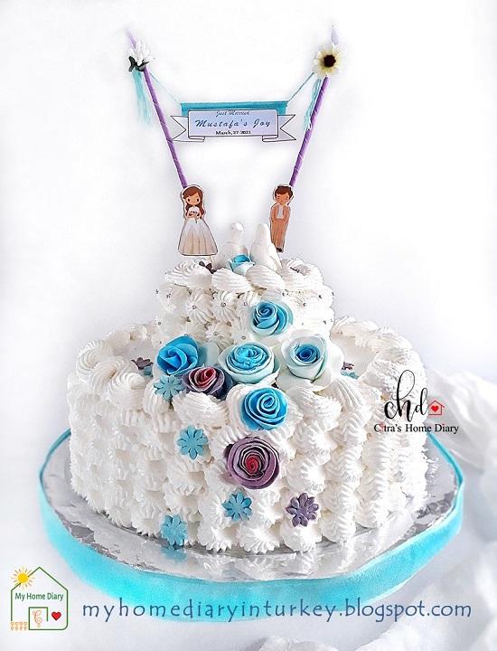 Çitra's Home Diary. #cakedecorationidea #cakedecor #birthdaycake #kueulangtahun #weddingcake #redvelvetcake #bluevelvetcake #cakephotography #lemoncake #şifonkek #indonesisch #anekakueulangtahun #sunflowercake