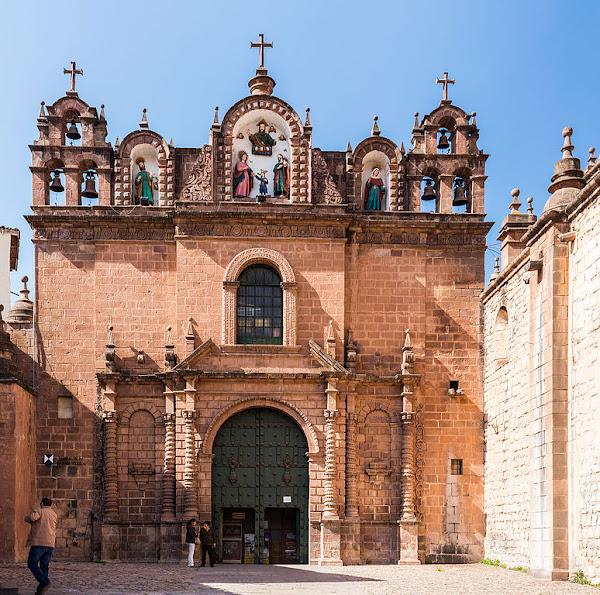 Tourism Ecstasy in San Blas Cusco, Peru!