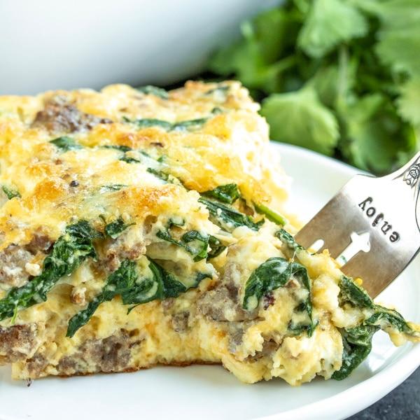 healthy breakfast quiche : SAUSAGE AND SPINACH CRUSTLESS QUICHE