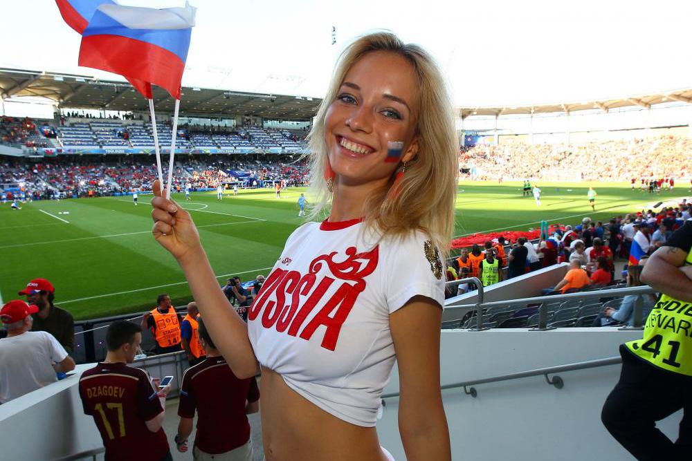 Ternyata, Suporter Cewek Rusia ini Artis Film dewasa