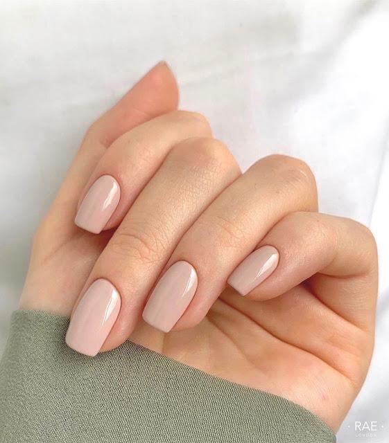 Nail polish trend  nude & pink