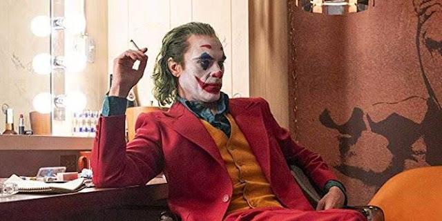 Baca review Film Joker (2019), Kisah Kemalangan dan Kegilaan si Badut