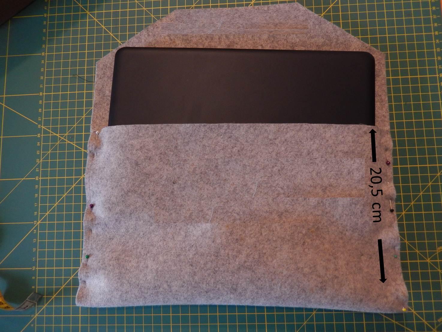 olivia twist laptoptasche mit klettverschluss. Black Bedroom Furniture Sets. Home Design Ideas