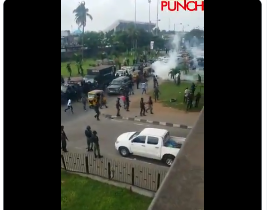 #Revolutionnow: Police Fire Teargas At Protesters (Video)
